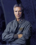 Wie alt ist Jack O'Neill in der Serie? (1.Staffel)