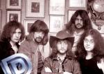 """Beginnen wir mal einfach:Wie beginnt der Text von """"Smoke on the Water"""" von der Band """"Deep Purple""""?"""