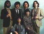 Wie hieß die Familien Band der Enya am Anfang ihrer Musik Karriere beitrat?
