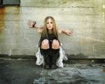 Wie heißt Avril mit Zweitnamen?