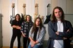 Welcher der folgenden Titel gehört nicht zu einer Blind Guardian Platte?