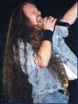 Nachdem Sänger Matthew Barlow traurigerweise die legendären Iced Earth verlassen hat, übernahm WER den Sängerposten (so gut er eben konnte)?
