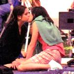 Für diesen Kuss (s. Bild) wurde SMG zwar für den MTV best on screen Kiss nummeriert, gewann ihn aber leider nicht.