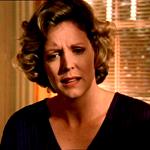 """Der Name von Buffy's Mutter wird zum ersten Mal in der Folge """"School Hard"""" erwähnt."""