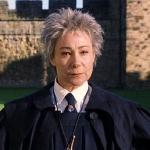 Madame Hooch lobt Draco im ersten Band, dass er seinen Besen völlig korrekt hält.