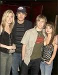 Wie heißt das Mädchen mit dem James bis zum Januar 2005 eine Beziehung führte?