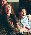 Lisa Clarke stellt fest, dass sie nach einer Entführung schwanger geworden ist.