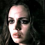 """""""Habe einen schlechten Tag gehabt. Sie hatte ein schwaches Selbstbewusstsein und ein selbstgemachtes Messer, also..."""" sagt Faith."""