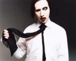 Wie viele Narben hat Manson (seelische Verletzungen nicht mitgerechnet)?