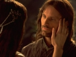 Aragorn möchte Arwen den Abendstern, den sie ihm schenkte, zurückgeben. Was tut Arwen?