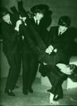 Was stellen die Jungs denn hier mit Ringo an!