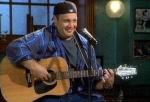 Welches Lied schrieb Doug für Carrie?