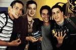 Welchen vier Freunden droht der zweifelhafte Ruhm, als sexuelle Nobodys in die Annalen der Highschool einzugehen?
