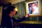 Was sagt Finch zu dem Foto auf dem Stifler's Mum zu sehen ist das über dem Kamin hängt?