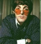 Stimmt es, dass Paul vor John mit Songschreiben begann?