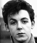 Stimmt es, dass sich Paul und John erst richtig nahe kamen, als Johns Mutter starb?