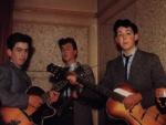 Wer gründete die Beatles ursprünglich?