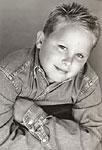 Wie heißt der Schauspieler, der Doug als kleinen Jungen spielt?