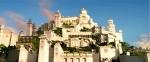 Wie heisst das Schloss mit den vier Thronen?