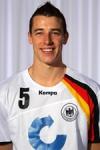 Und als letztes in welchem Verein spielt Dominik Klein?