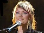 Welches dieser Lieder kündigte sie bei einem Konzert in Tallin an?