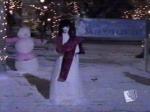 """Welche Sängerin wird von den Gilmore Girls beim Schneemann-Bau-Wettbewerb in Schnee """"gemeißelt""""?"""