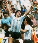 Diego Maradonna schoß ein berühmtes Tor auf irreguläre Weise. Wie wird sein Verstoß noch heute genannt?