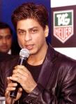 Wen spielt SRK im Film >One 2 Ka 4<?