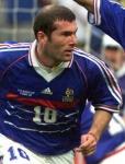 Wieviel mal wurde Zinedine Zidane schon zum Weltfussballer des Jahres ernannt?