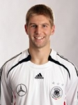 Wo spielte Thomas Hitzelsberger bevor er zum VFB Stuttgart kam?