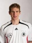 In welcher Mannschaft hat Per Mertesacker beim DFB zuerst gespielt?