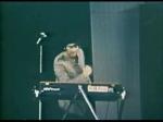 Bei welchem Song im Shea Stadion spielte John verrückt?