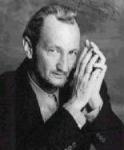 Erst mal ein paar Fragen zum Meister himself!Zuerst mal, Robert Barton Englund (so sein voller Name), geboren 1947 in Glendale Californien ist schwedi