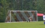 Das Fußball-Tor ist 7,32 cm lang und 2,80 Meter hoch.