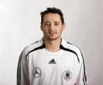 Welche Nummer wünscht sich Oliver Neuville und welche hat er im Nationalteam?