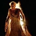 """Was darf man auf keinen Fall tun um von der bösen Zahnfee des Filmes """"Der Fluch von Darknessfalls"""" getötet zu werden?"""
