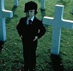 """Wer tötet sich für den kleinen Jungen des Filmes """"Das Omen"""""""