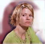 In wen verliebt sich Alice am Ende der ersten Staffel?