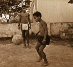 Wann, wo und unter welchem Namen wurde Ronaldinho geboren?