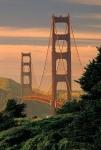 Wieviele Meter misst die Spannweite der berühmten Golden Gate Bridge?