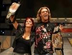 Welchem WWE-Paar gelang bereits vor Edge und Lita der Gewinn des WWE- und Women's Champion-Titel?