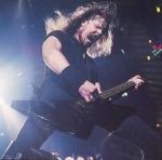 Was passierte James Hetfield 1993 auf einer Tour mit Guns N'Roses?