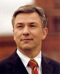 Mit welchem Satz sorgte der regierende Bürgermeister von Berlin; Klaus Wowereit, von Anfang an für klare Verhältnisse und wurde somit populär?