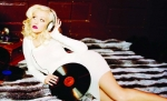 Mit welchem Song präsentierte Christina 2002 ihr neues Image?