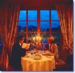 Zum dritten Mal in Folge kommt Dein Freund zu spät zu einer Verabredung. Wie immer sitzt Du alleine am Tisch im Restaurant und alle schauen Dich komi