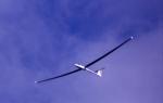 Worauf ist ein Segelflugzeug angewiesen um hohe Höhen zu erreichen?