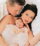 Mit wem ist sie seit dem 18. November 2000 verheiratet?