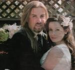 """Wie heißt Hollys Ehemann, den sie am Set von """"Charmed"""" kennen lernte?"""