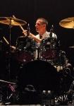 Wie heißt der neue Drummer von Good Charlotte?