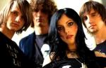 Im Februar 2001 brachte die Band dann ihr erstes Album raus.